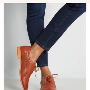 Modcloth Wanted wing tips. Size 7 1/2